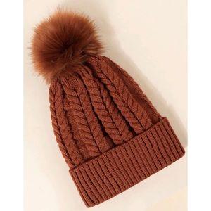 🆕 Coffee Brown Pom Pom Beanie Toque Winter Hat New NWOT